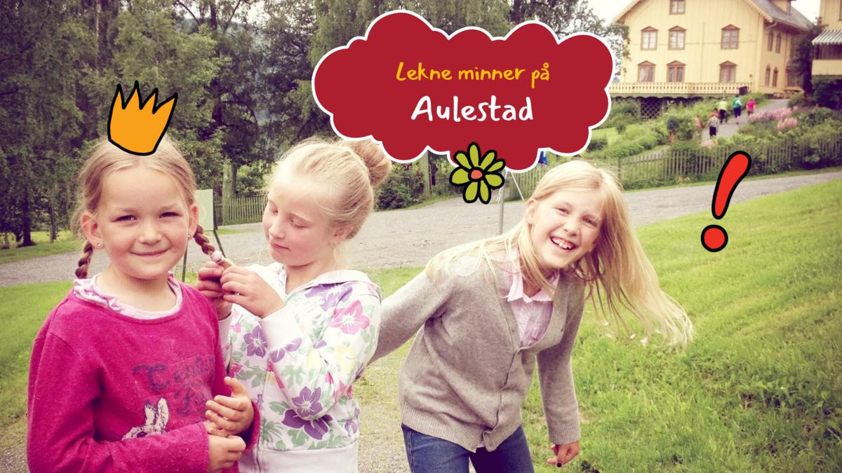 Glade jenter foran Aulestad.